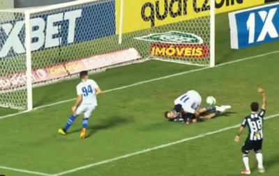 El gol paraguayo gracias al VAR en el Brasileirão