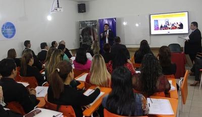 MEC y Mtess se capacitan en búsqueda de perfiles profesionales para reforma educativa