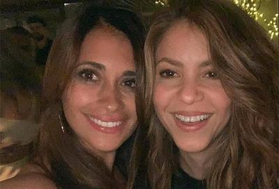 """HOY / Con una selfie, Shakira y Antonella Rocuzzo pusieron fin a sus """"diferencias"""""""