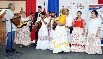 Con danzas celebraron Día del Adulto Mayor