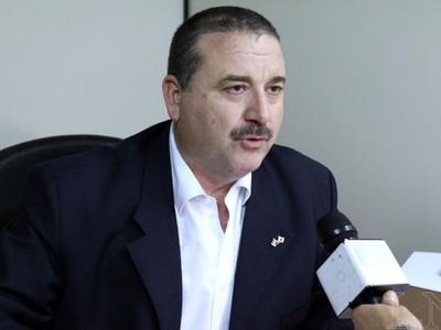 Congresista confirma despido de niñera de oro por doble remuneración