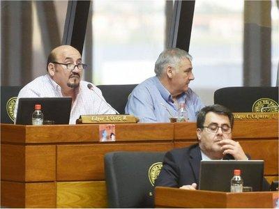 La alianza azulgrana en Diputados salvó a Garay del juicio político