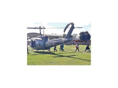 Chaco: En helicóptero rescatan a  paciente  de colonia inundada