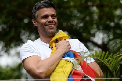 Militares afines a Guaidó liberan a Leopoldo López del arresto domiciliario