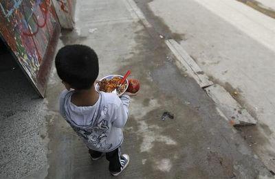 El 41,2 % de los niños argentinos sufre pobreza estructural, según un informe
