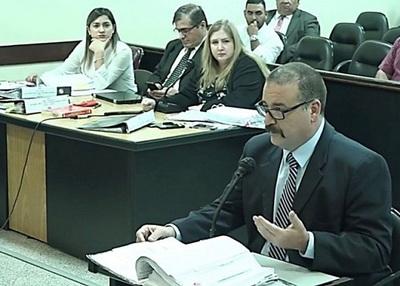 """""""Ancho afirma que despidió a niñera por doble remuneración"""""""