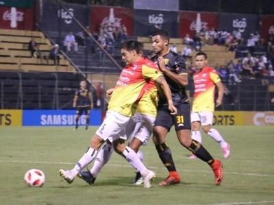 Guaraní y Santaní no rompen el cero en continuidad del Apertura