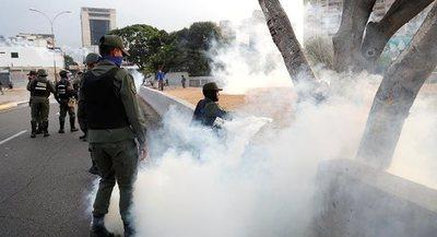 Reportan enfrentamientos en Caracas tras la intentona golpista