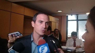 Beto Ovelar no debió desconvocar sesión, según PQ