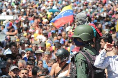 Embajada de Brasil recibe a  varios militares venezolanos