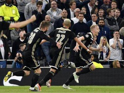 El Ajax derrota al Tottenham y se cerca a la final