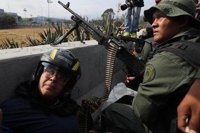 Militares venezolanos piden asilo en la Embajada de Brasil