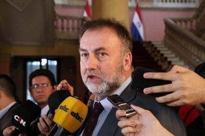 Gobierno espera acordar últimos puntos con sector empresarial para reforma tributaria