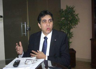 Piden la absolución del ex contralor Óscar Velázquez