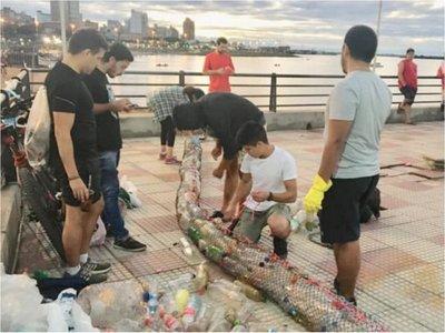 Voluntarios crearon  captador   de basuras para aguas  de la  Bahía
