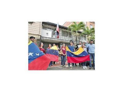 Protestas ante las embajadas en varios países del mundo