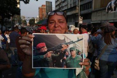 El mundo reacciona al levantamiento militar en Venezuela
