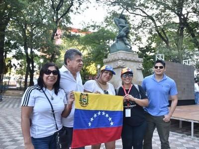 Defienden el régimen porque no han sufrido lo que sufre el pueblo de Venezuela