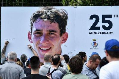 Homenaje por 25° aniversario de la muerte de Senna