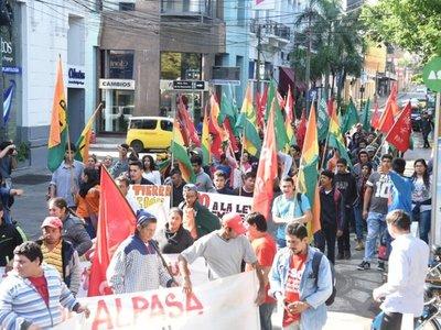 Día del Trabajo: Sindicatos denuncian explotación laboral y precariedades