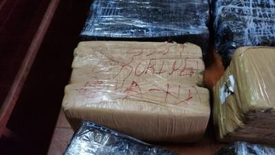 Incautan vehículo con droga en Canindeyú