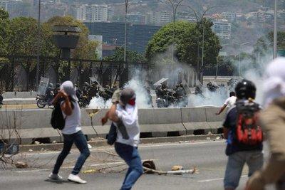 EE.UU. condena ataques contra manifestantes en Venezuela