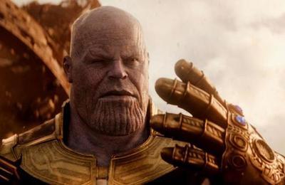 Atento fanáticos: La réplica del guante de Thanos que carga tu teléfono celular