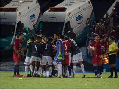 Cerro iguala en polémico juego ante San Lorenzo