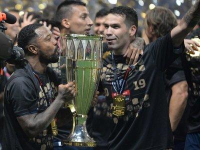 Celso Ortiz y Adam Bareiro conquistan la Concachampions