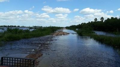 Cultivos bajo agua, niños en canoa a escuela, hambre: Pinasco, el distrito olvidado