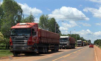 Camioneros exigen normativas razonables sobre precio del flete