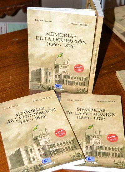 """Presentan libro """"Memorias de la Ocupación"""" en la UNE"""