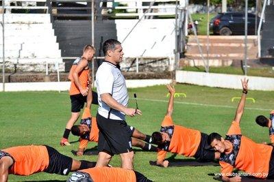 Deportivo Santaní enfrenta mañana a Olimpia