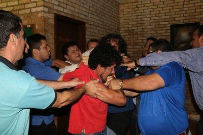 """Moquete"""" en pasillos de la Junta Municipal del Este"""
