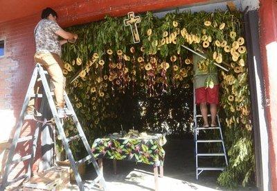 Kurusu jegua de 3.000 chipas y 1.300 rosarios