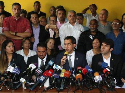 Guaidó pide hoy en los cuarteles que militares den la espalda a Maduro