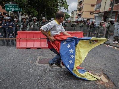 Escasa respuesta al llamado de Guaidó de acudir a los cuarteles