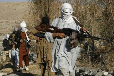 Los talibanes atacan cuartel general de la Policía provincial en Afganistán