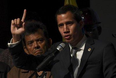 Guaidó dice que la Asamblea Nacional podría aprobar intervención de EEUU