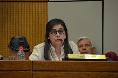 "Senadora Nani Arrúa ""CDE recuperó su libertad"""