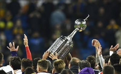 HOY / Diez equipos luchan por seis cupos a los octavos de final