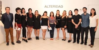 """Jóvenes artistas exponen sus trabajos en muestra colectiva """"Alteridad"""""""