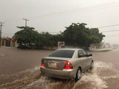 Cortes de luz e inundaciones tras intensas lluvias