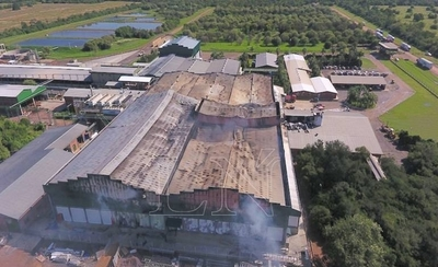 HOY / Frigorífico reanuda parte de su producción, a un mes del incendio