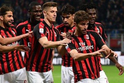 Milan se aferra a la Champions