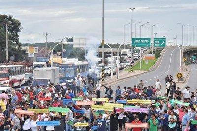 Importadores de vehículos usados rechazan reforma tributaria