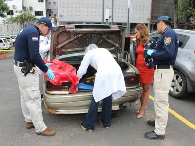 Verifican vehículo del sospechoso del crimen de Gloria Gamarra