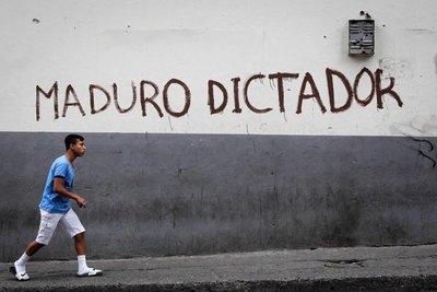"""Zapatero exige """"acuerdo"""" para Venezuela y critica a Trump"""
