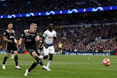 Ajax roza volver a jugar por la 'Orejona'