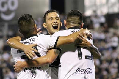 Olimpia golea a General Díaz y continúa invicto en el Apertura